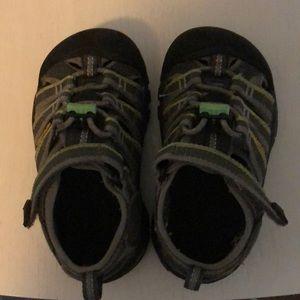 Keen sandals toddler boys 8